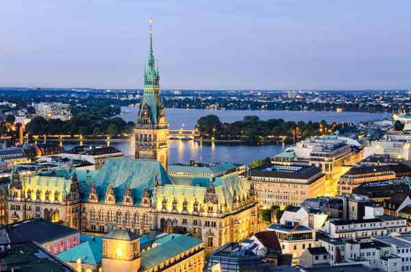 Bird & Bird increased the size of Hamburg office with media lawyers from Hogan Lovells